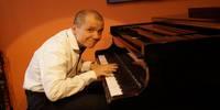 Kabarett und Klavierspielereien